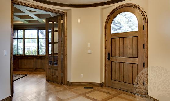 входные наружные двери из массива сосн
