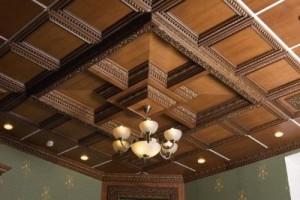 Трех уровневые деревянные потолки