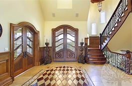 Двери из высококачественного дерева