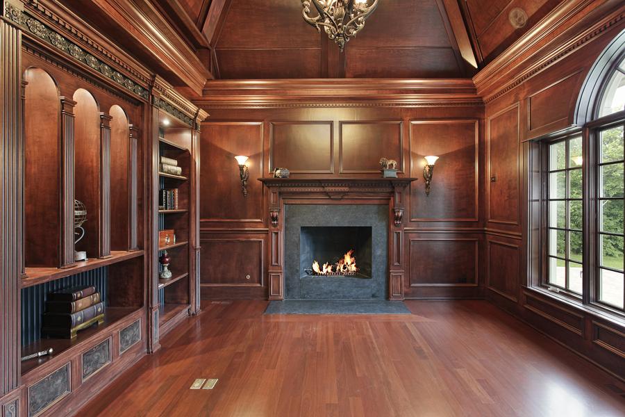 Комната со стеновыми панелями из дерева