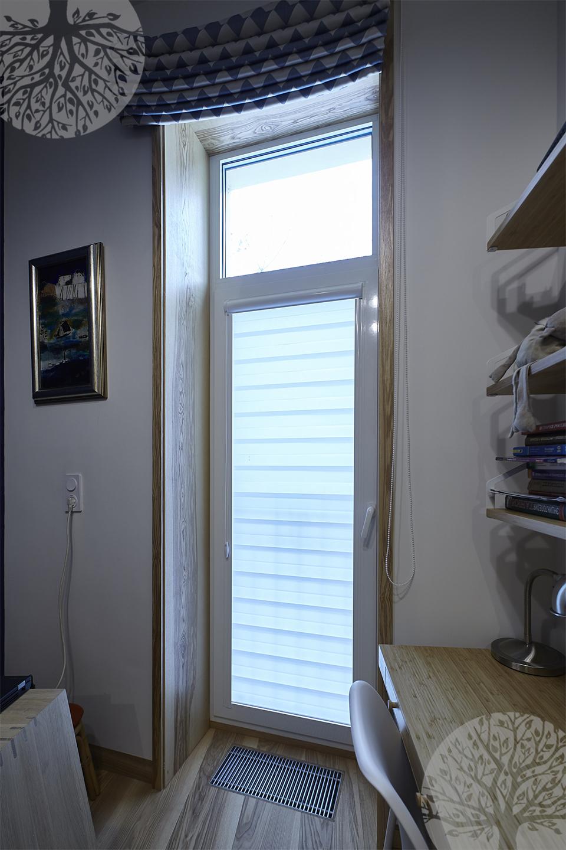 Декоративное обрамление балконной двери