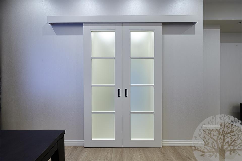 dveri_i_mebel_dlya_dizaynera_shkafyi_v_prihozhuyu_na_zakaz7566